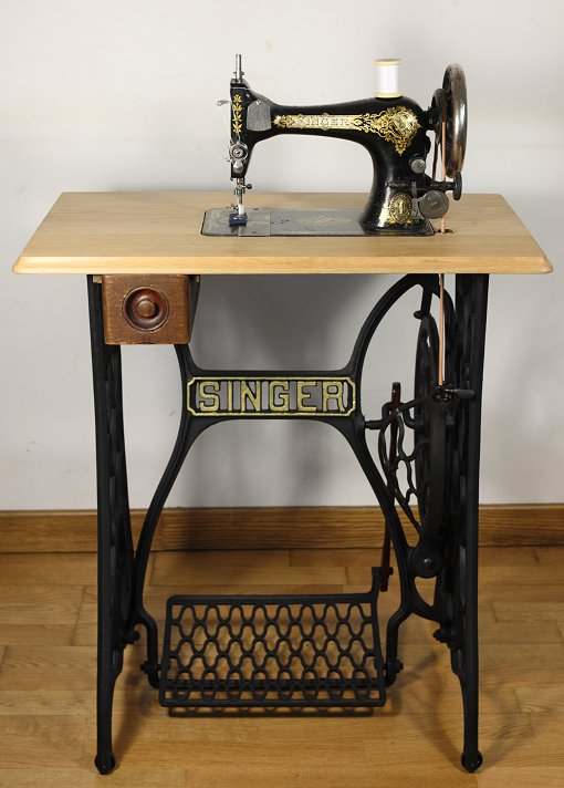 28k termine sur table - Table Machine A Coudre