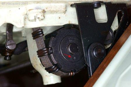 reglage prise du fil de canette Timing319k_7